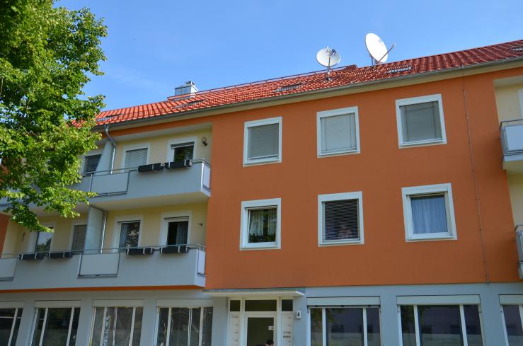 Fassadenrenovierung Albertus-Magnus-Strasse in Stein